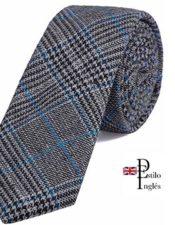 corbata de estilo inglés
